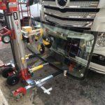 Sostituzione parabrezza autocarri con sistema Big Buddy Il Parabrezza Affiliato Vetri Carglass Ostuni Brindisi